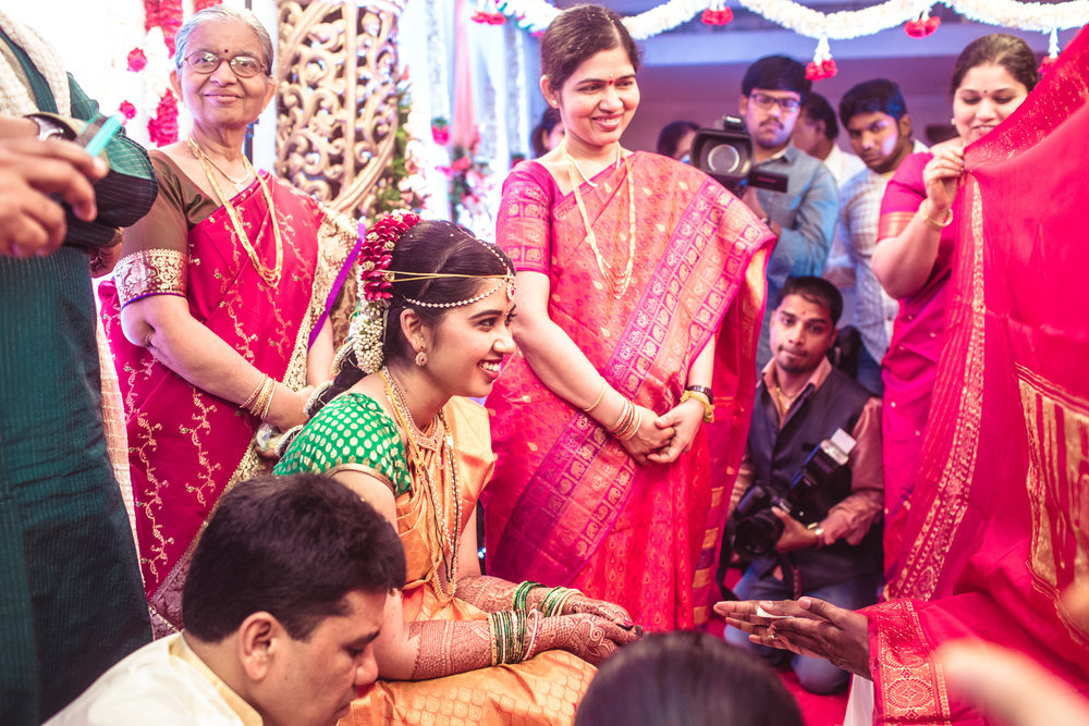 telugu-candid-wedding-photographer-hyderabad-0040.jpg