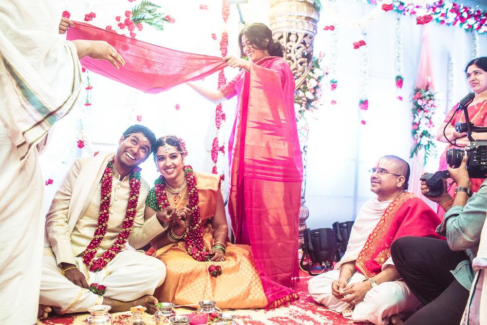 telugu-candid-wedding-photographer-hyderabad-0072.jpg