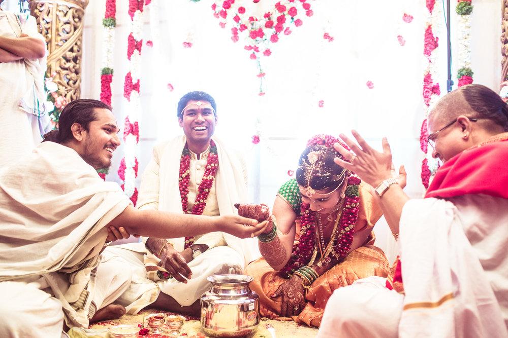 telugu-candid-wedding-photographer-hyderabad-0081.jpg