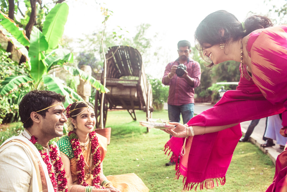 telugu-candid-wedding-photographer-hyderabad-0086.jpg