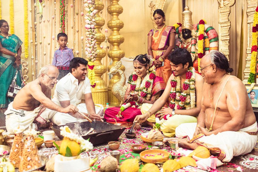 Candid-Photography-Tamil-Brahmin-Wedding-Chennai-0064.jpg
