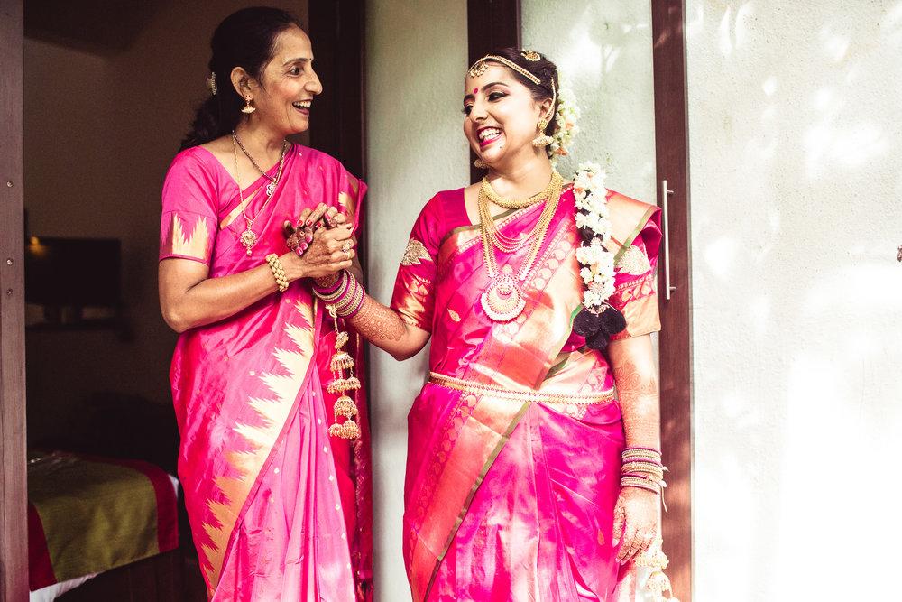Candid-Photography-Tamil-Brahmin-Wedding-Bangalore-0044.jpg