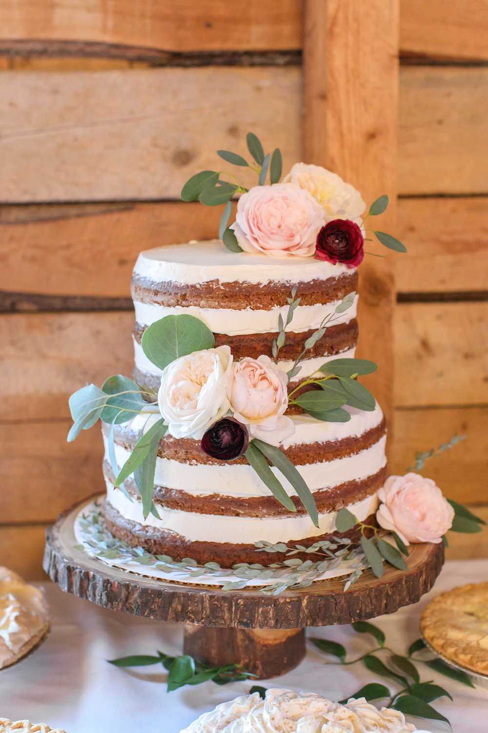 Wooden cake stand  Photo by  Brady McCloskey Photography