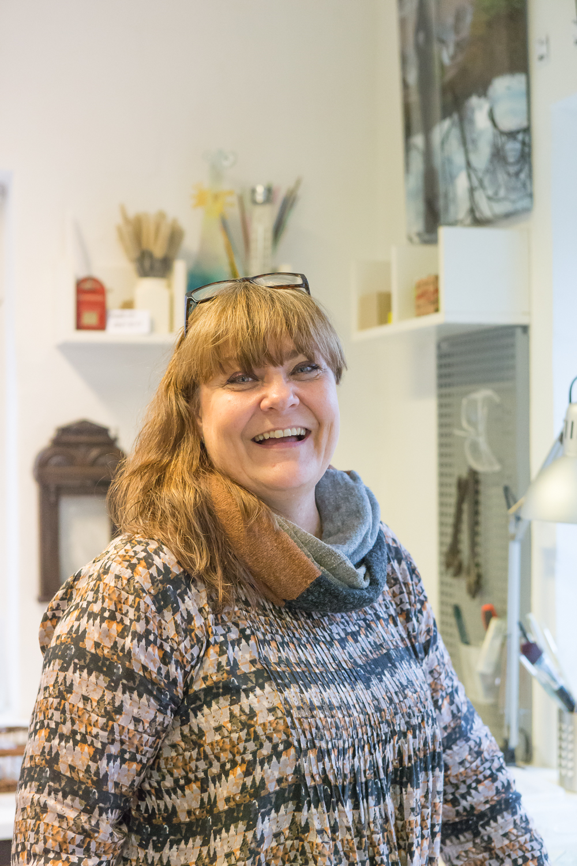 Rebekka Koefoed, a mixed media artist - My motto: Nil desperandum (never despair / never give up)