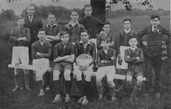 Edwardstone Youth Football Club team photo 1932-33.jpg