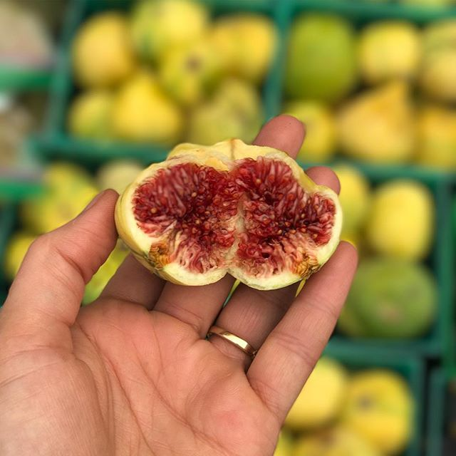 A piece of art !!!! Look at this beauty !!!! Ask me any questions today at the Summerlin Farmers Markets!!!!! #noybelskitchen #figs #lasvegas