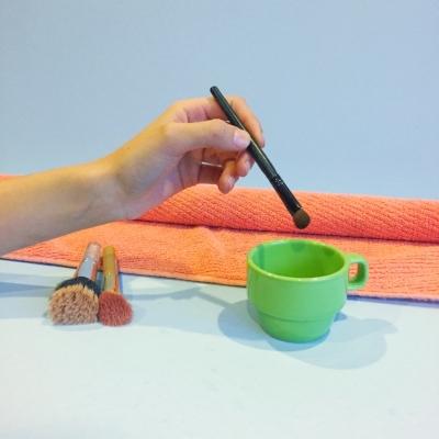 clean makeup brushes2.jpg