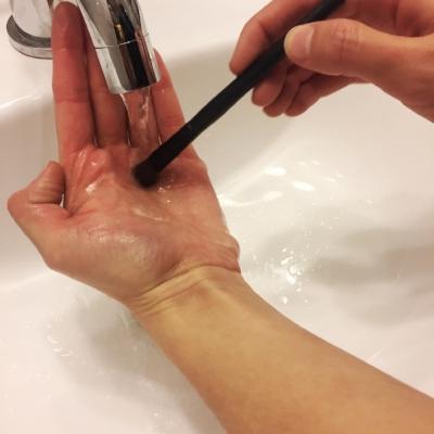 clean makeup brushes4.jpg