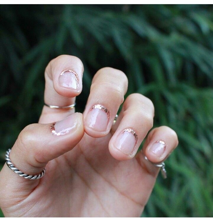 Sometimes simple goes a long way. pic via  @nail_unistella
