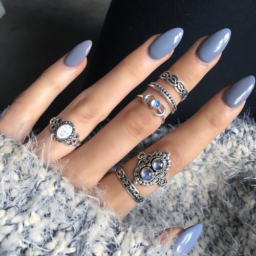 Almond nails are a great way to do tips for a softer, less intense look (we do love intense, though). pic via  nailpolishaddicted