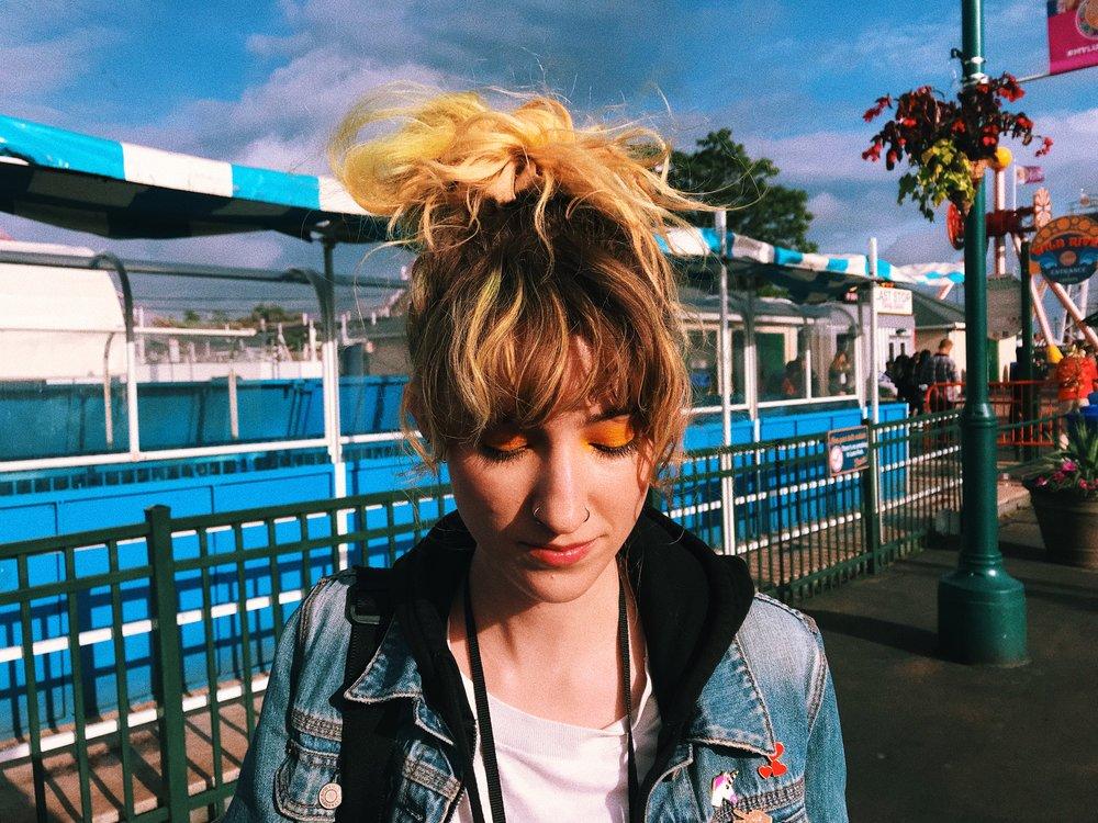 Hannah Coney Island Bangs