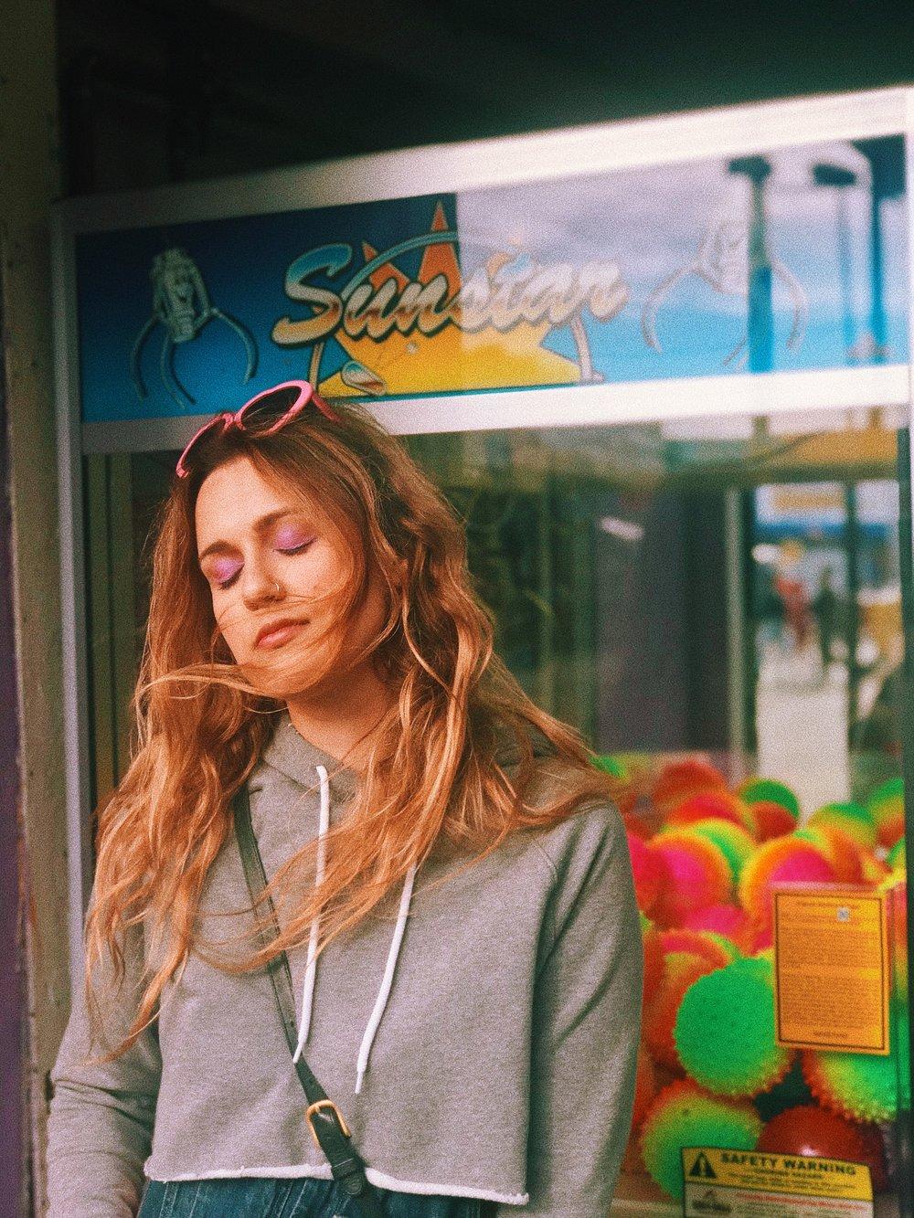 Kat Coney Island Wind