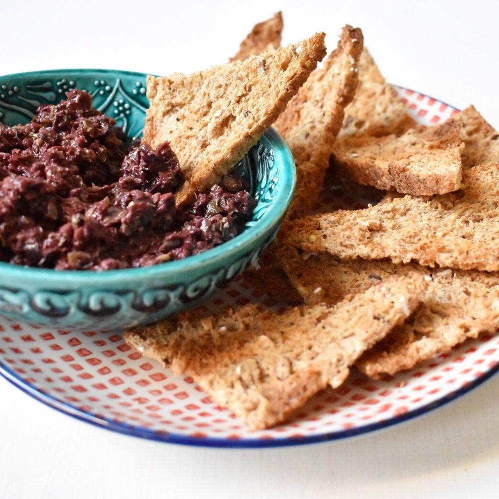 Easy and quick vegan olive tapenade recipe