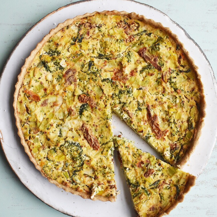 vegan tofu quiche recipe with broccoli and sun-dried tomatoes - easy healthy and quick