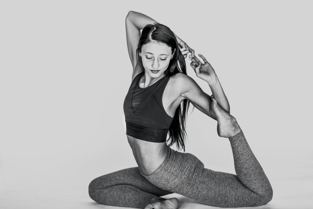 yogashoot-amylacyphotography-denver-9.jpg