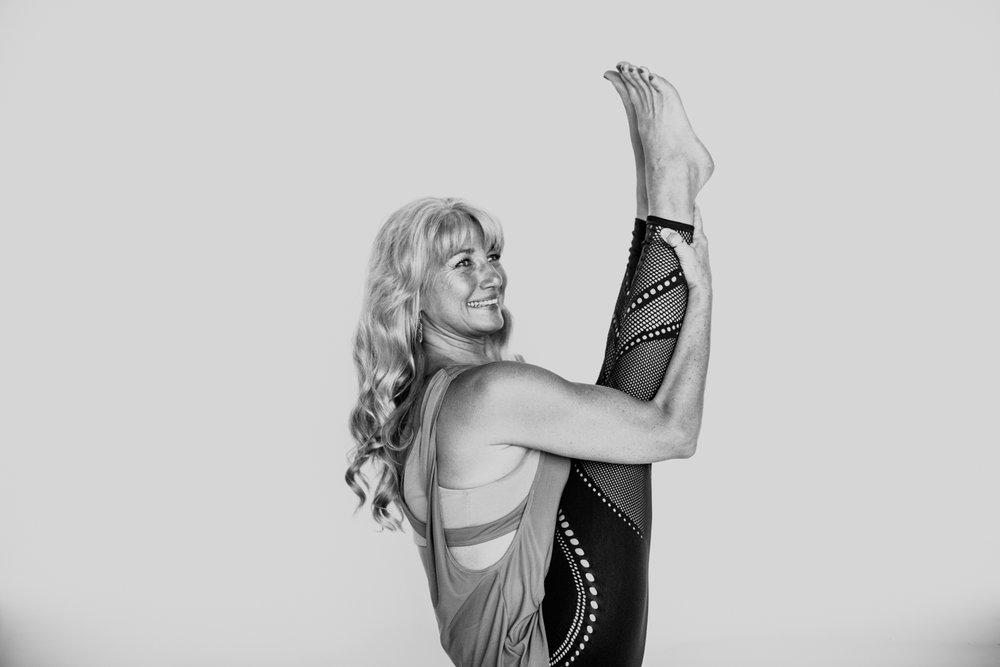 yogashoot-amylacyphotography-denver-12.jpg