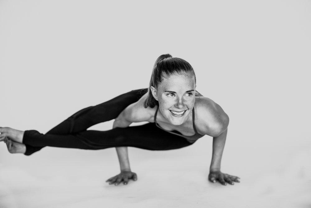 yogashoot-amylacyphotography-denver-21.jpg