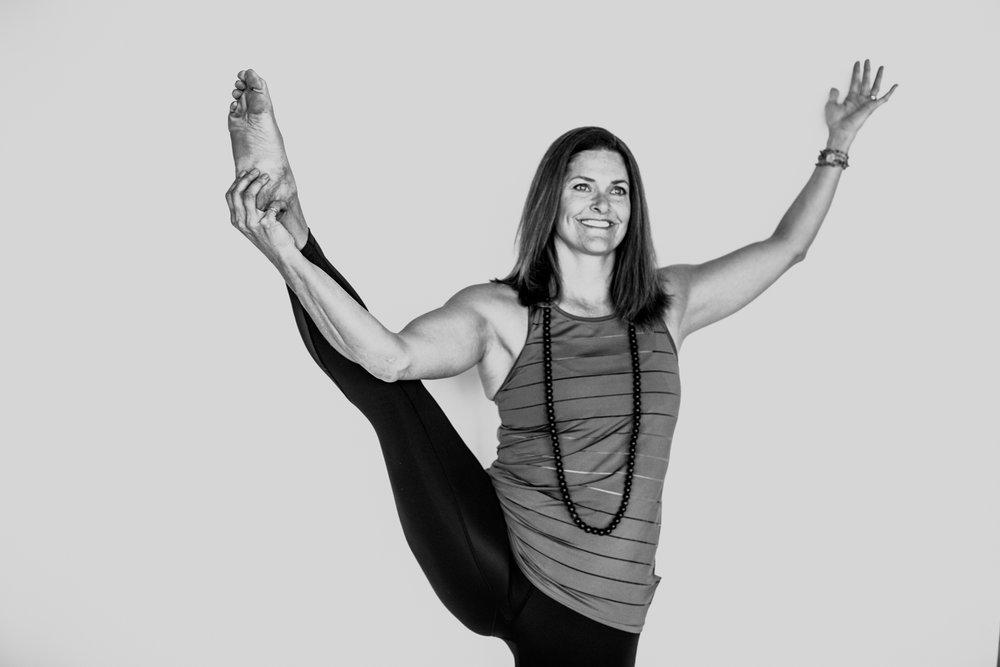 yogashoot-amylacyphotography-denver-24.jpg