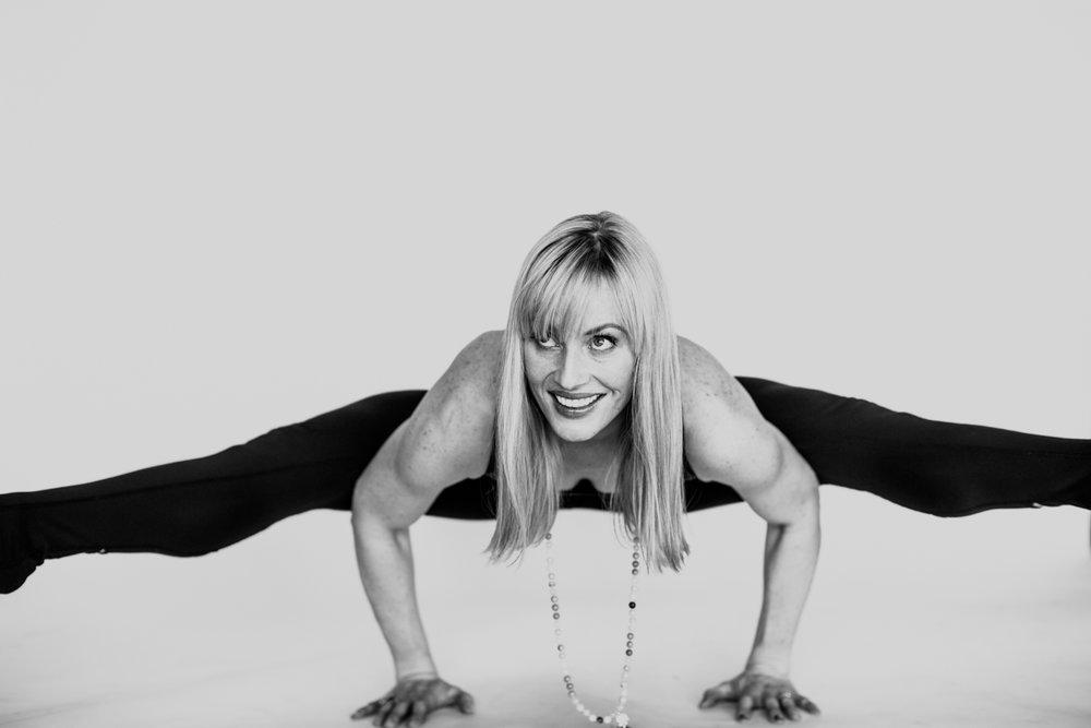 yogashoot-amylacyphotography-denver-33.jpg