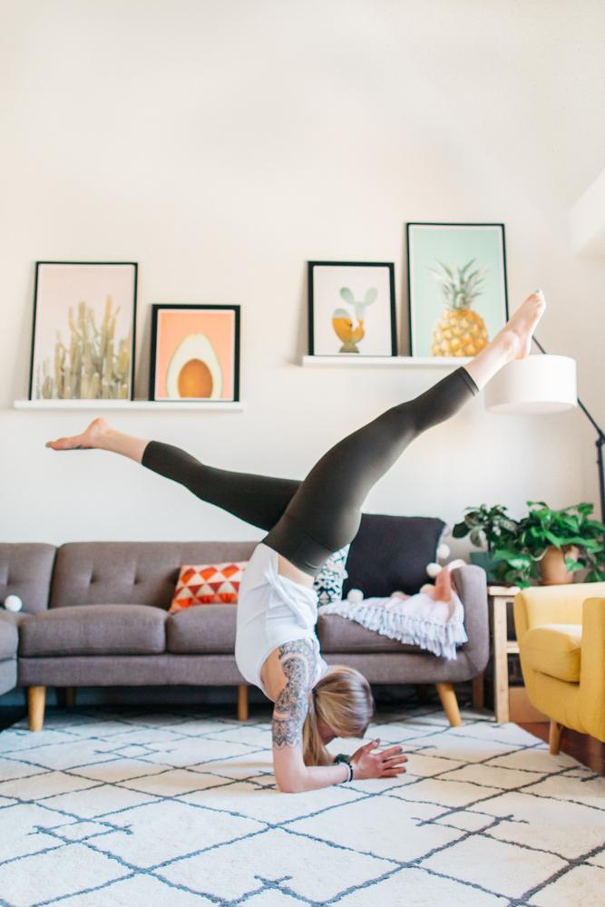 yogashoot-homesession-amylacyphotography-denver-3.jpg