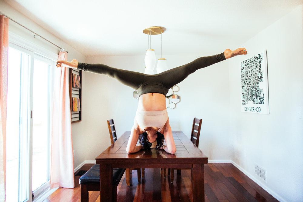 yogashoot-homesession-amylacyphotography-denver-11.jpg