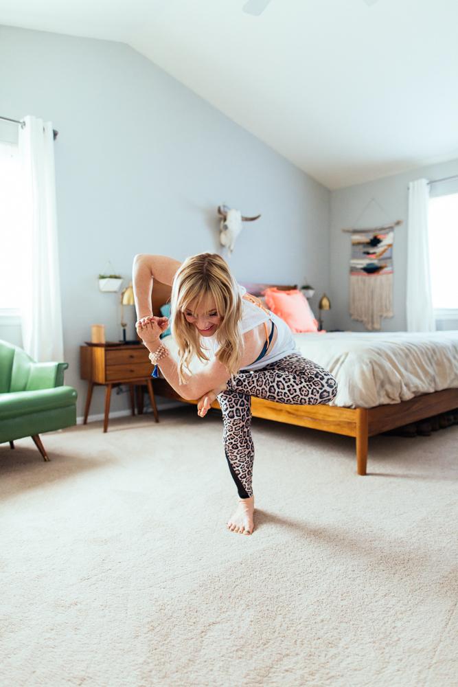 yogashoot-homesession-amylacyphotography-denver-33.jpg