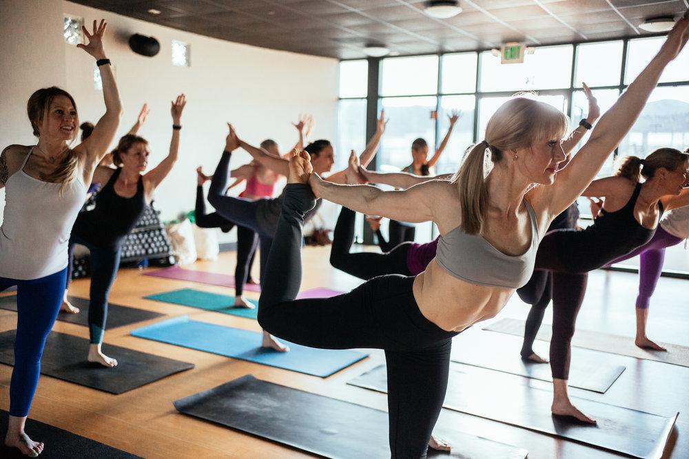 yogashoot-studio-amylacyphotography-denver-14.jpg