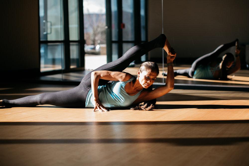 yogashoot-studio-amylacyphotography-denver-25.jpg