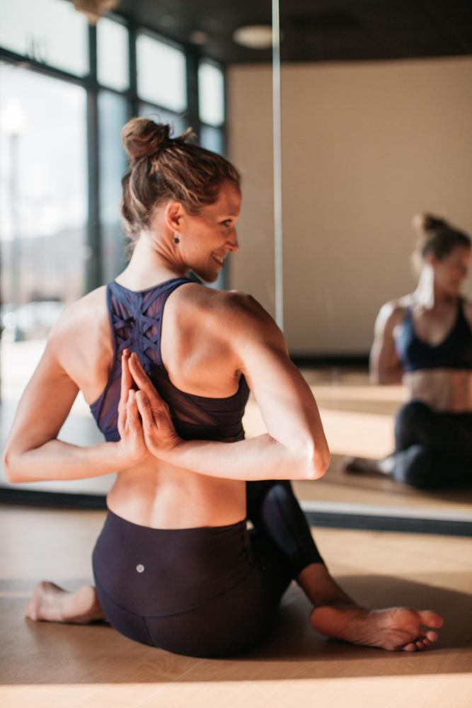 yogashoot-studio-amylacyphotography-denver-28.jpg