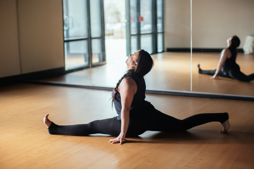 yogashoot-studio-amylacyphotography-denver-30.jpg