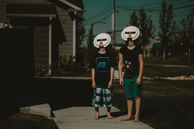 Happy Eclipse day!!! Hahaha!  Photo: @5and5photography Edit: LOAF C4  #tribearchipelago #triberedleaf #lookslikefilm #LOAFpresets