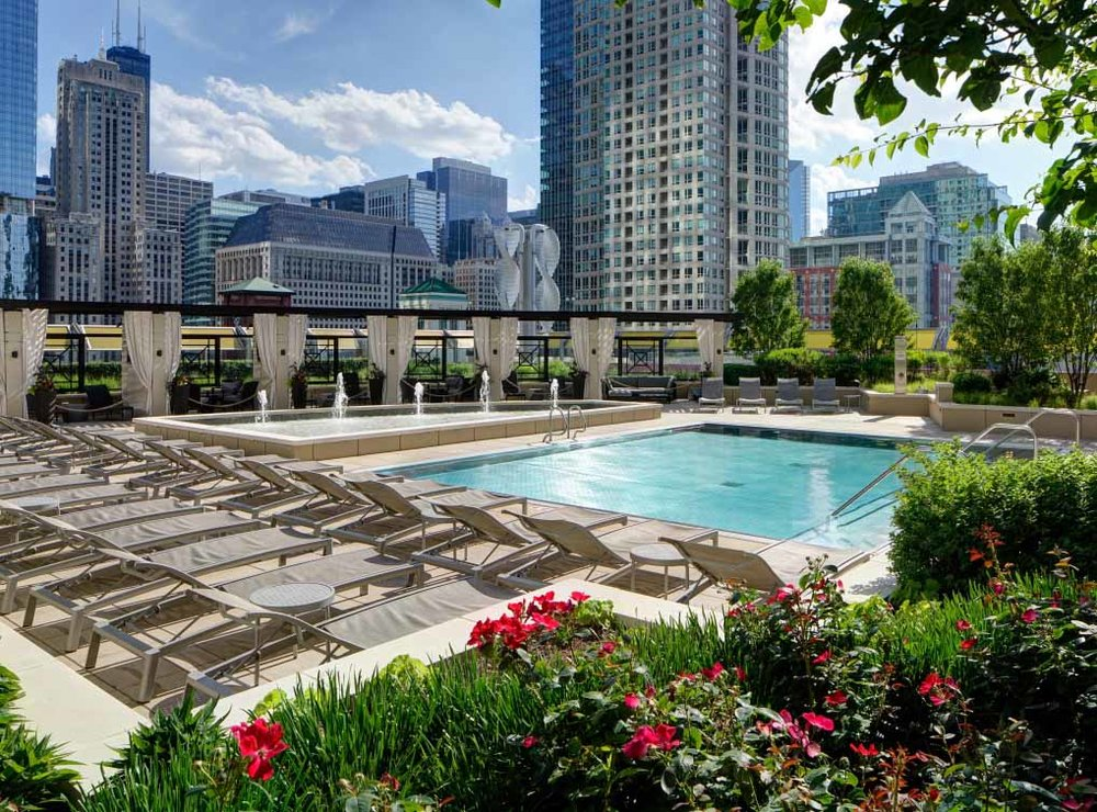 rivernorth-amenity-exterior-pool2-2.jpg