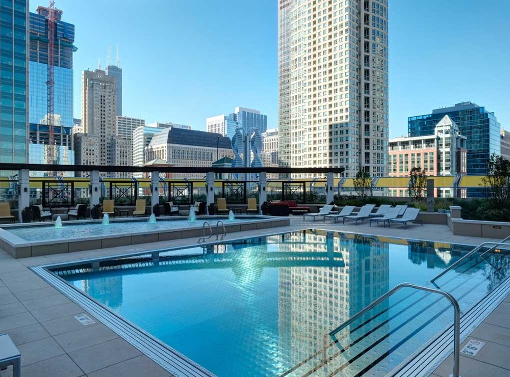 rivernorth-amenity-exterior-pool2.jpg