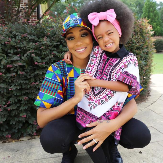 Ankara-Photo-of-The-Day-Monica-Brown-and-Daughter-Laiyah-Shannon-Brown-in-Dashiki-Pride-2.jpg