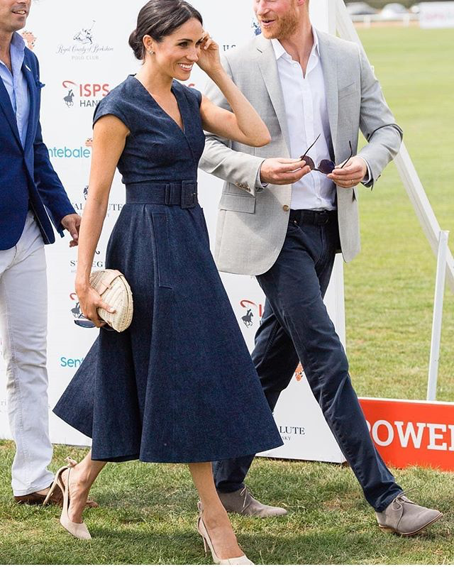 meghan markle in denim carolina herrera