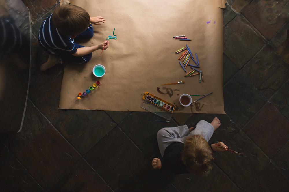 Sacramento CA Photographer Family Photographer lifestyle kids coloring soft light