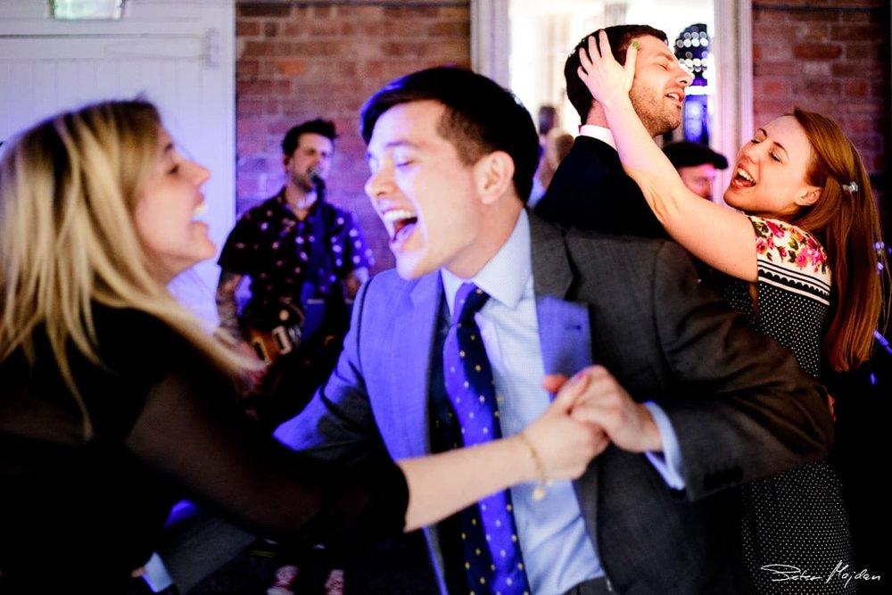 6.wedding-guests-dancing.jpg