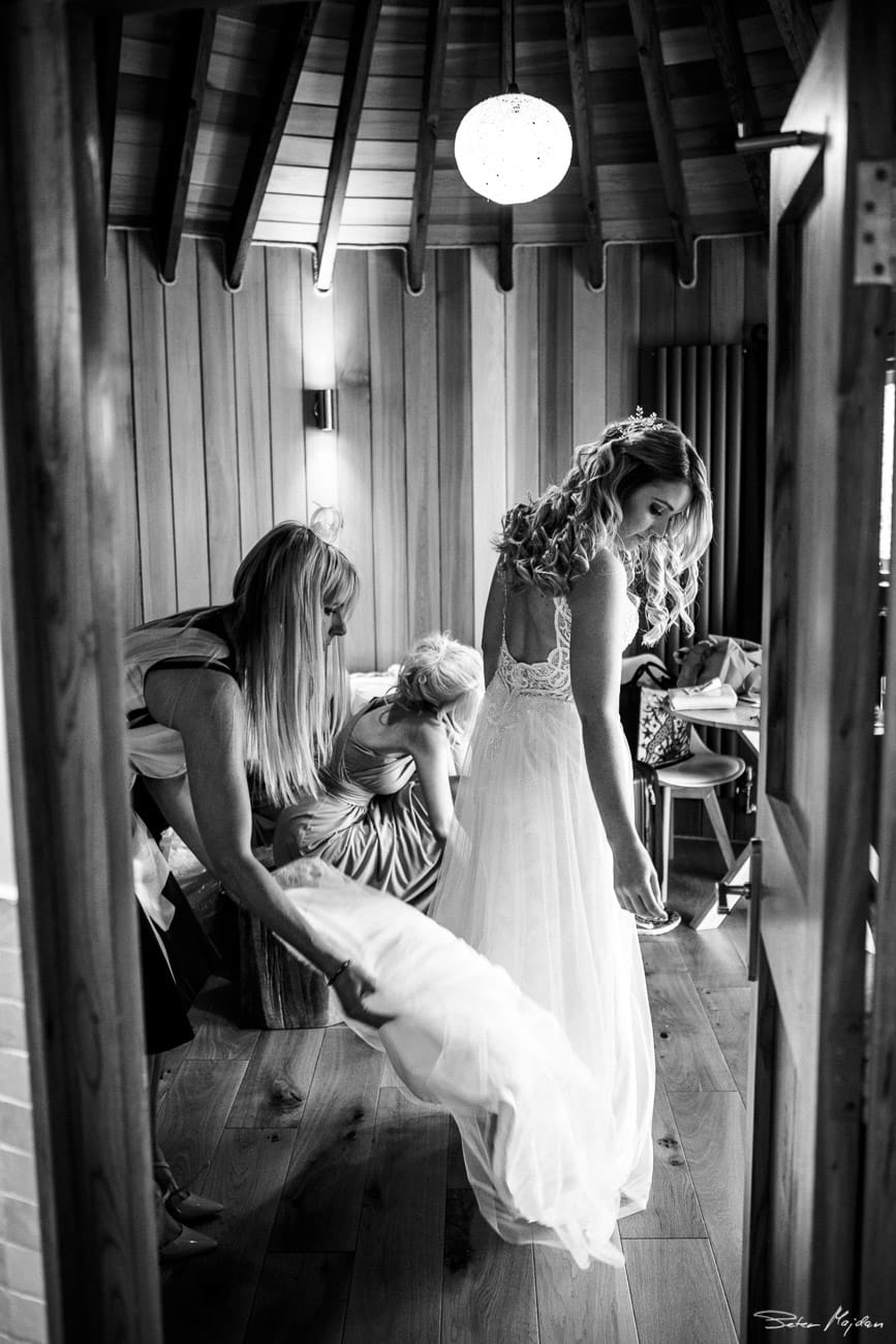 bride getting ready at treetop house
