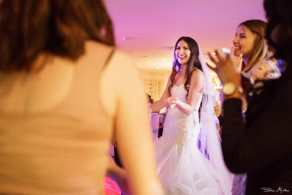 Woodborough-hall-wedding-photographer-40.jpg