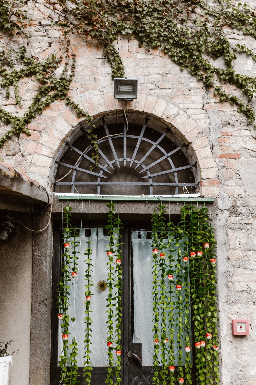 141-E-&-P-Tuscany-Italy-Photographer-Fotomagoria.jpg