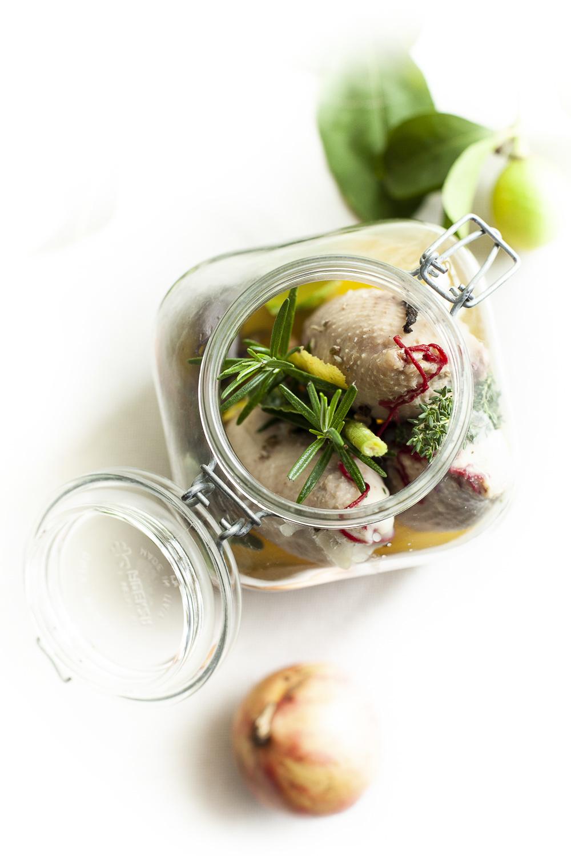 """IL MENU' - gras senza foie - foie senza gras """"onto""""coscia e durelli con uva fragola candita e cipolla di Chioggia, maionese al pinolo alla pechinesecollo laccato"""