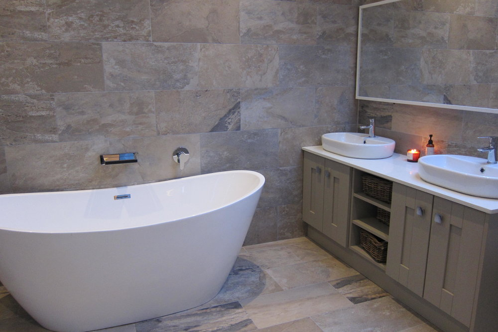 TX1 RTI10 Malahide After Master Bathroom .JPG