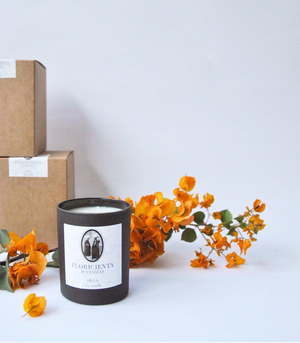 Custom made 100% natural vegan soya candle for hugå by Floricienta Iuvenalis
