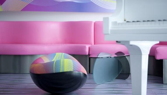 nhow_suite_livingroom_schmoozyfox_funky_brand_interviews