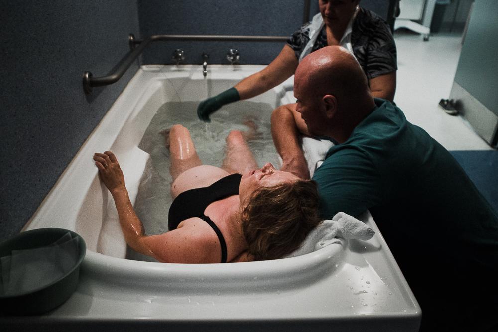Hospital-Water-Birth-in-Wollongong-NSW-14.jpg