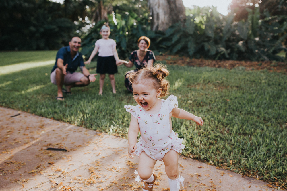 Family-Photography_Kids-playing-palmetum-Annandale_Lauren_and_Douglas-Lifestyle-Photographer-8.jpg