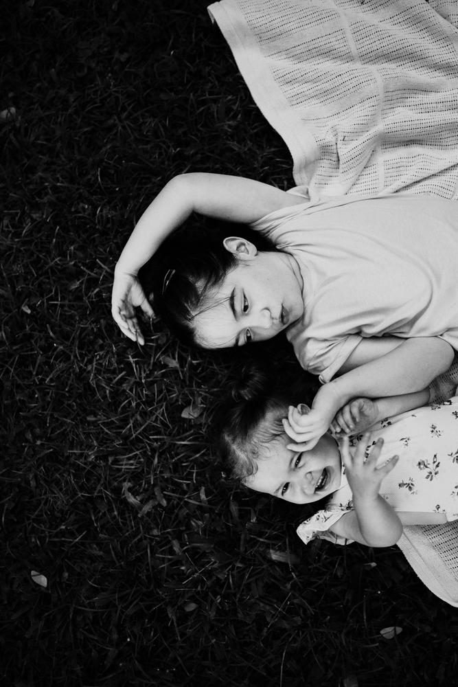 Family-Photography_Kids-playing-palmetum-Annandale_Lauren_and_Douglas-Lifestyle-Photographer-19.jpg