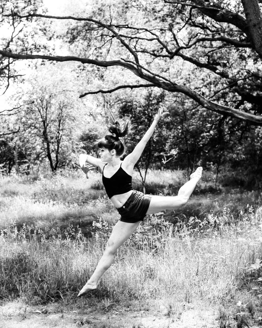 Simone - danseres gespecialiseerd in Afrikaanse dans, docente, danstherapeut en bewegingscoach