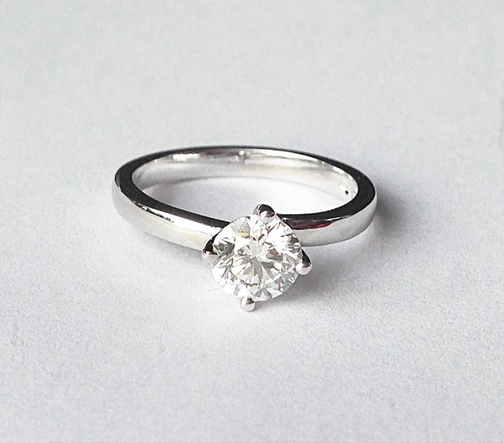 Platinum Brilliant Diamond ring