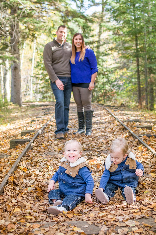 thunder-bay-family-photo-couple-centennial-park.jpg